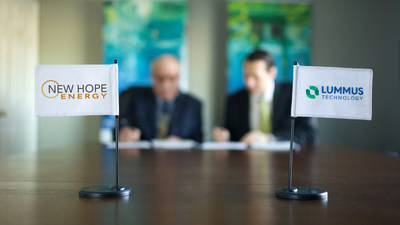 Lummus and New Hope CEOs signing agreement