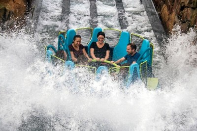 SeaWorld Orlando's Infinity Falls brings the thrill of white-water rafting into a new experience the family can enjoy together. Aboard 8-passenger circular rafts, riders embark on an adventure through a lush rainforest environment inspired by some of the world's most incredible freshwater ecosystems. The attraction features dynamic drops and turns, interactive water elements, and allow guests to experience the feel of exhilarating rapids.